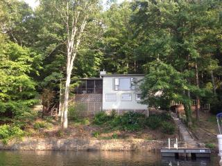 Dock Holiday House, Robbinsville