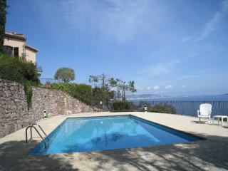 Holiday family villa with swimming pool, Thoule sur Mer