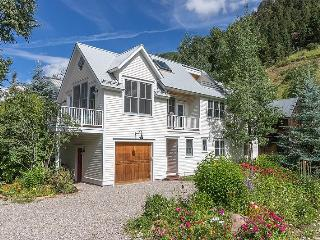 603 West Galena - 4 Bd / 3.5 Ba - Sleeps 8- Deluxe Town of Telluride Home - Super Quiet Yet Convenient Location