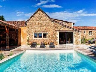 18th Century Grange, private heated Pool, Cendrieux