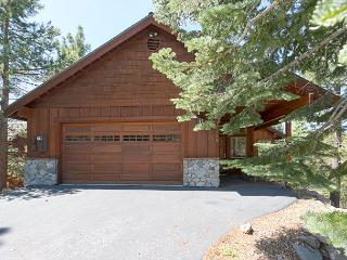 Gorgeous New Listing Available in Tahoe Donner - Under $250/nt in OCT, Truckee