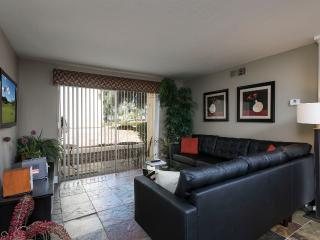 Luxury 3 Bed condo in Old Town, Wi-Fi, Plasma, Etc, Scottsdale
