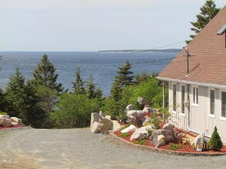 Ocean View Chalet - Overlooking White Point, Hunts Point