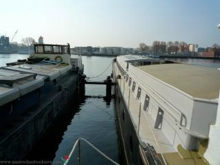 A264 Bed and breakfast on a houseboat, Amsterdam