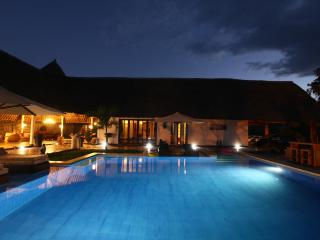 Villa Raymond Diani Beach - Luxury Private Villa