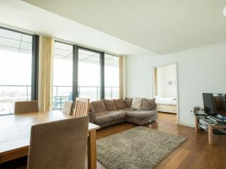 3 Bedroom Penthouse in Canary Wharf, London