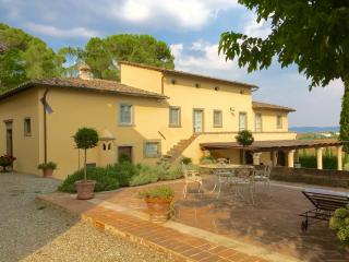 Beautifull villa with pool and amazing Tuscan view, Cortona
