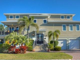 200' to the Beach, New Man Cave, Heated Pool & Spa, Holmes Beach