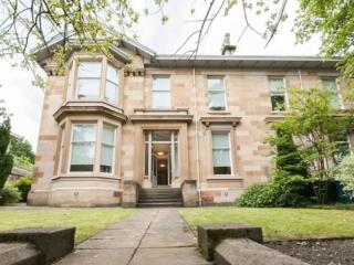 6 bed town house to rent in Glasgow
