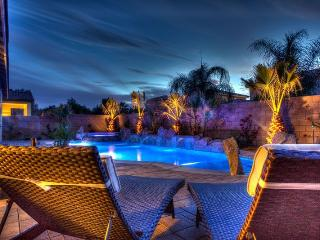 Beautiful Brand New Private, 4 Bedroom Home with 4, Indio