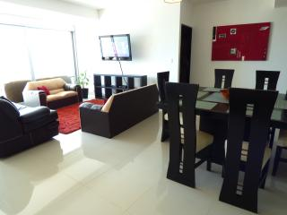 Lovely 2 bedroom apartment, the best view in town!, Cancun