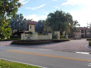 Large 3BR Cottage in the Fabulous Naples Bay Resort!