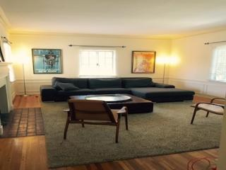 Charming 2BD off Rodeo Drive, Beverly Hills