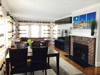 Luxury 4 Bed 2 Bath APT in Boston Pondside JP