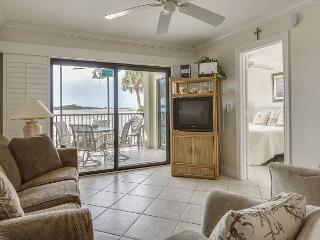 Carlos Pointe 121, Gulf Front, Elevator, Heated Pool, Fort Myers Beach