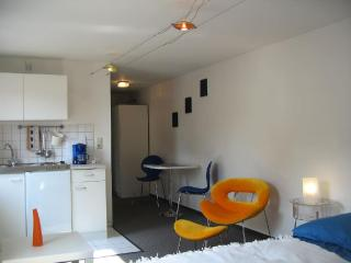 Vacation Apartment in Bamberg - 237 sqft, quiet, cozy, central (# 3821)