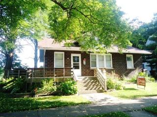 303 Eagle Street, South Haven