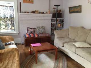 Charming Harvard Square Apartment, Cambridge