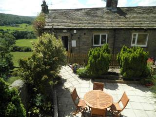 Holmedale Cottage nr Holmfirth with stunning views