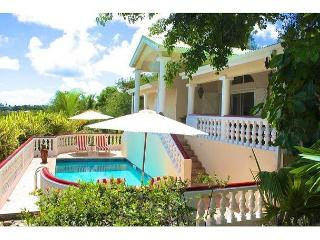 Three Bedroom Villa with pool a minute to Orient Beach., Orient Bay
