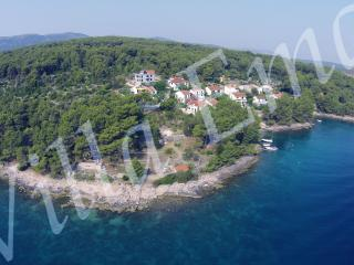 Apartment Adriatic for 2 with Sea View, Vrboska