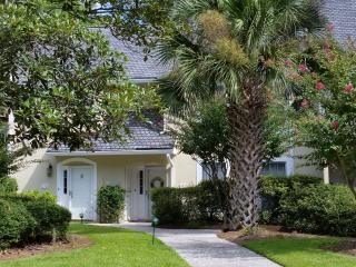 Tranquil Lagoon Views - Great Shipyard Location!, Hilton Head