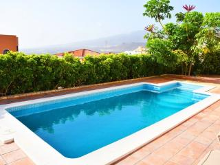 Luxury Villa With Amazing View with private pool, Playa de las Americas