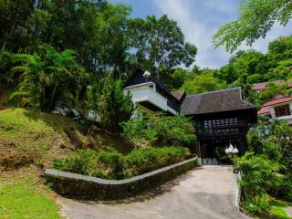 3 bedroom villa for 8 guests, Patong