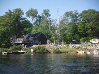 Family size cottage in Parry Sound, Nobel