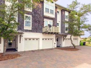Luxury Seaside Townhome With Private Elevator, Amelia Island