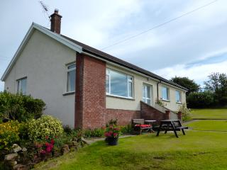 AULDBYRES BUNGALOW 4 bedroom farm cottage near Ayr
