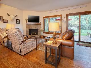 Newly renovated Teton Shadows Condo - Close to Jackson Hole Golf & Tennis