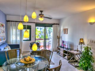Beach Apart 1-BDR with pool & Wifi, J202, Bavaro