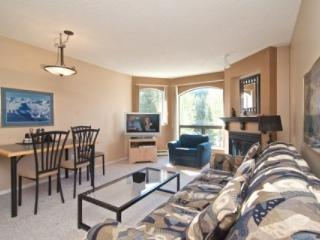 Top Floor Beautiful Marquise 1 Bedroom Condo, Whistler