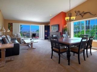 Bright and Breezy with Panoramic Mountain Views - Free Tennis & Fitness Desert Falls Country Club, Palm Desert