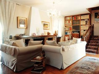 villamarisa bed and breakfast, and books, Pavia