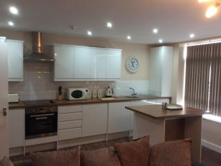 Luxury Town Centre Apartment with Sea Views (HC2), Scarborough