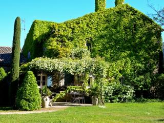 Oppede Estate - The Silk house House rental near Oppčde-le-Vieux Luberon in Provence