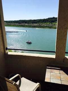 Queen One Bedroom with Lakeside Balcony, Lago Vista