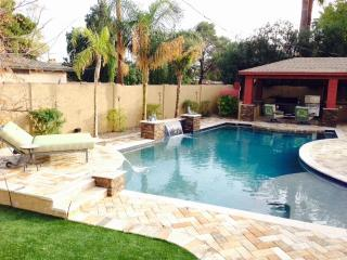 4 BED 3 BATH RANCH HOME GORGEOUS VACATION RENTAL, Glendale