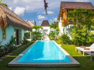 Center Oberoi 4 bedroom Villa with Pool, Seminyak