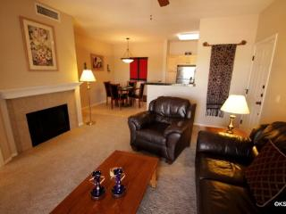 Monthly Rental at Boulder Canyon in Oro Valley! Come and Enjoy this Two Bedroom Condo, Tucson