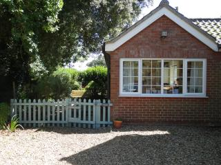 The Lily Pad one-bedroom dog-friendly cottage, Mundesley