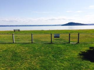 Beautiful Lakefront Location - Hannahs Bay Rotorua