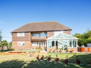 St Michaels |Log Burner |Hot Tub |Gym & Pool room, Whitstable