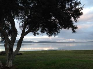 Hebe Cottage - On the Banks of Oyster Harbour, Albany