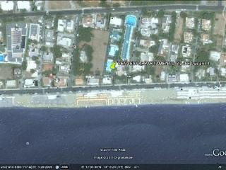 Apartment with large garden overlooking the sea, Terracina