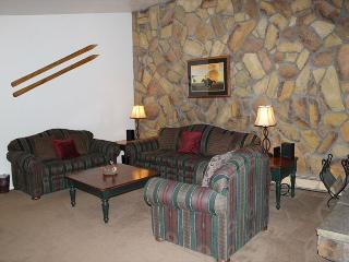 One Bedroom Condo on Lake Dillon with Views & Clubhouse