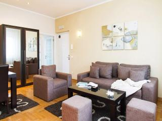 2 Bedroom Apt SKADARLIJA for 6 people - Best deal!, Belgrade