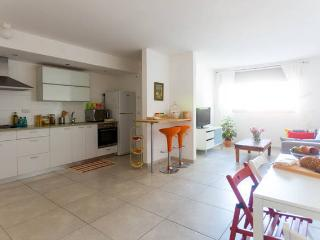 Great location 2BR Private apt 5min from the beach, Jaffa